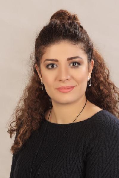 Kimia Hosseini